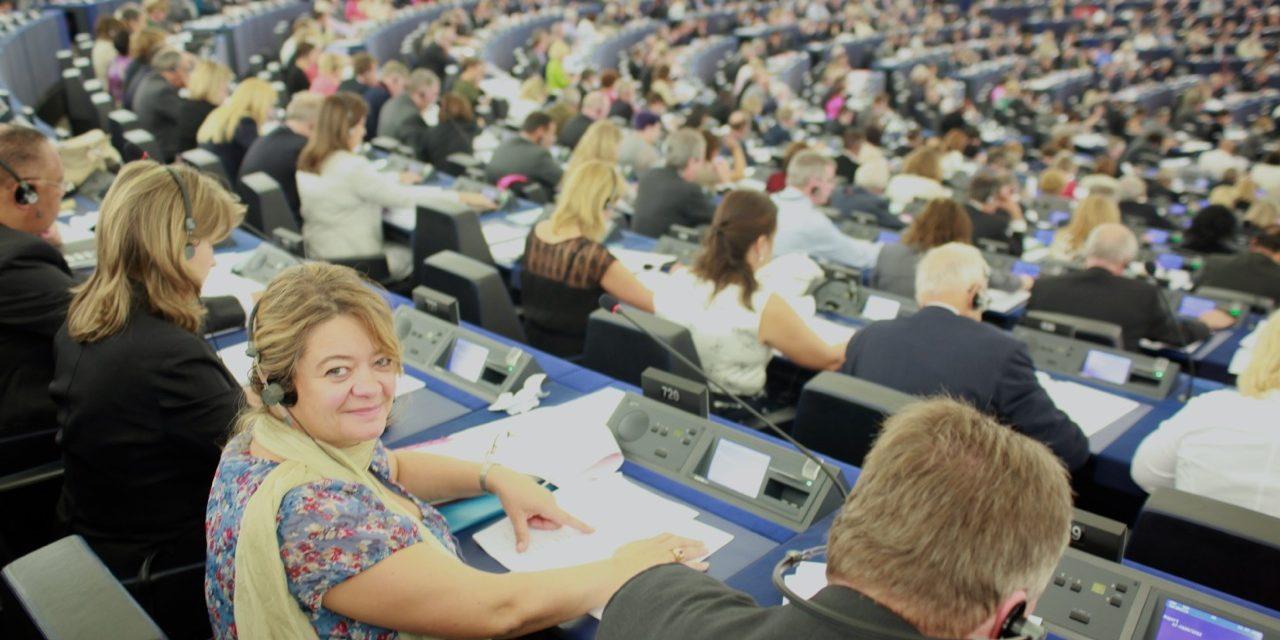 Isabelle Thomas sur le réexamen à mi-parcours du CFP : «Il n'y a pas de temps à perdre pour nos concitoyens et pour l'Europe.»