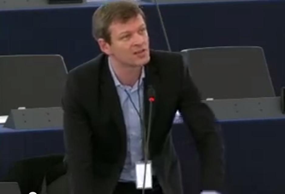 Guillaume Balas présente son rapport contre le dumping social