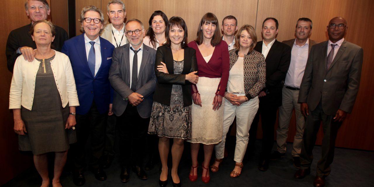 Eurodéputés et assistants parlementaires : les eurodéputés socialistes et radicaux dénoncent l'enfumage du FN